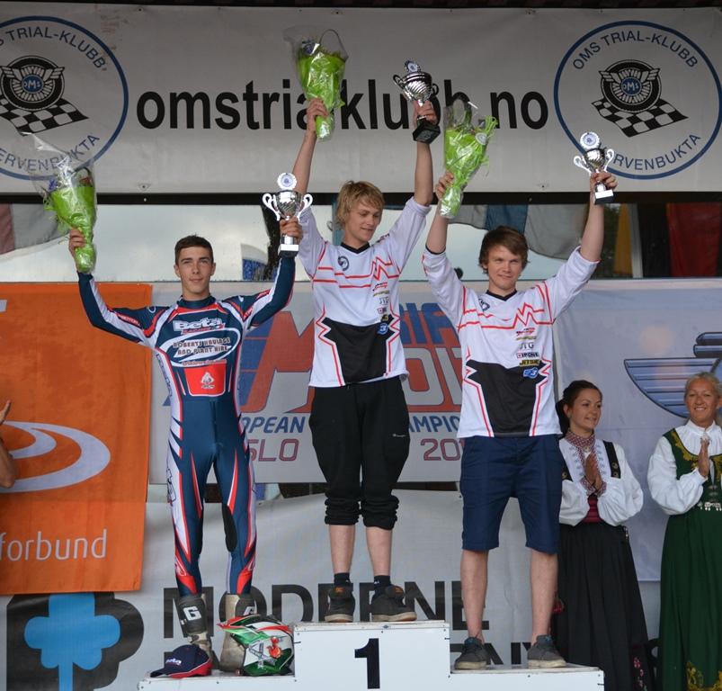 podium_junior