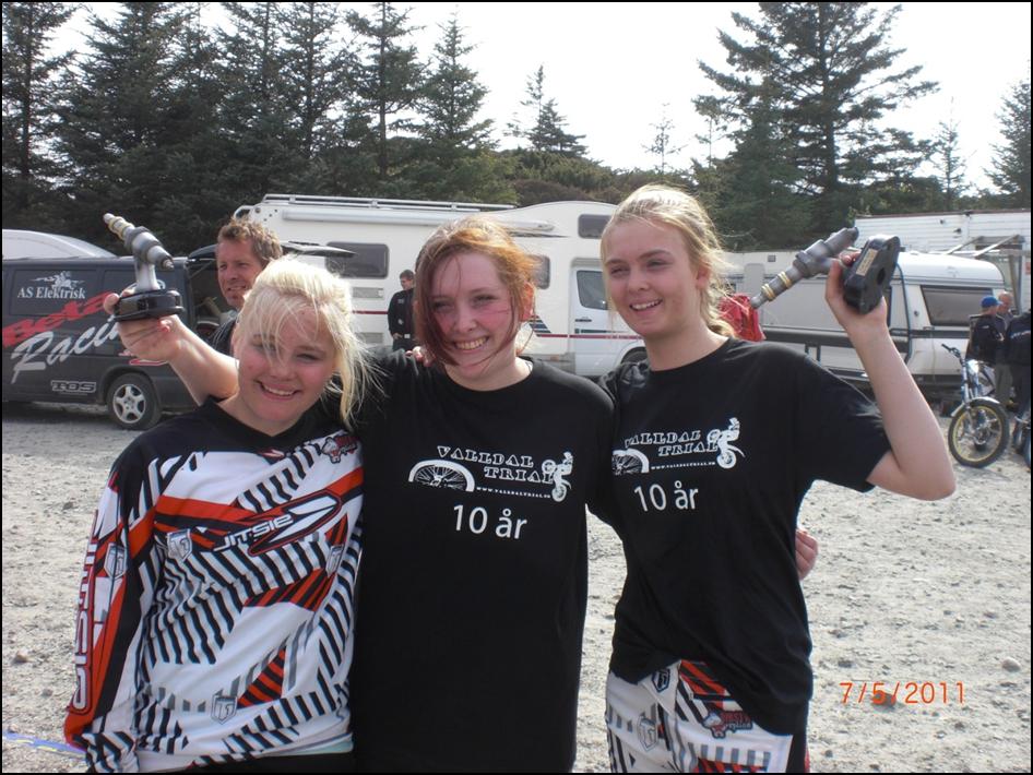 Tre glade jenter på norgescupen Karmøy