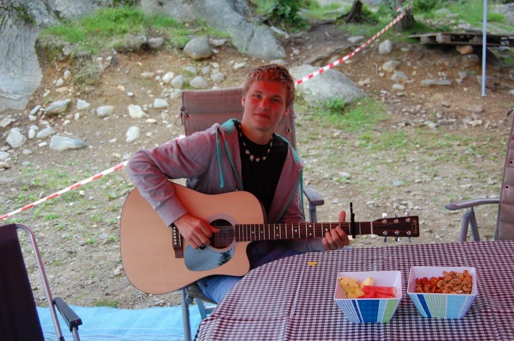 Anders Tandberg med gitaren