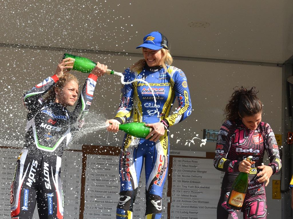 Thereas Bauml pustet Emma i ryggen i dag, og vant champagneracet etterpå!