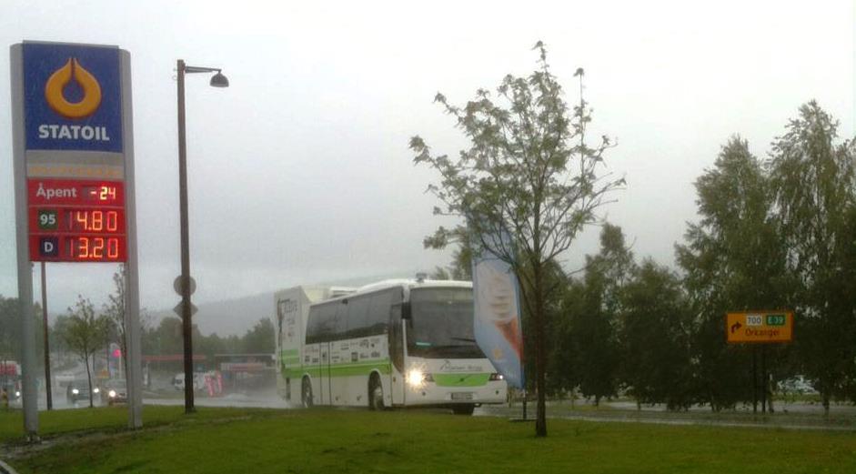 Kleivebussen - her i skittvær på Berkåk. Laangt igjen :-) . Foto: Kleive trial