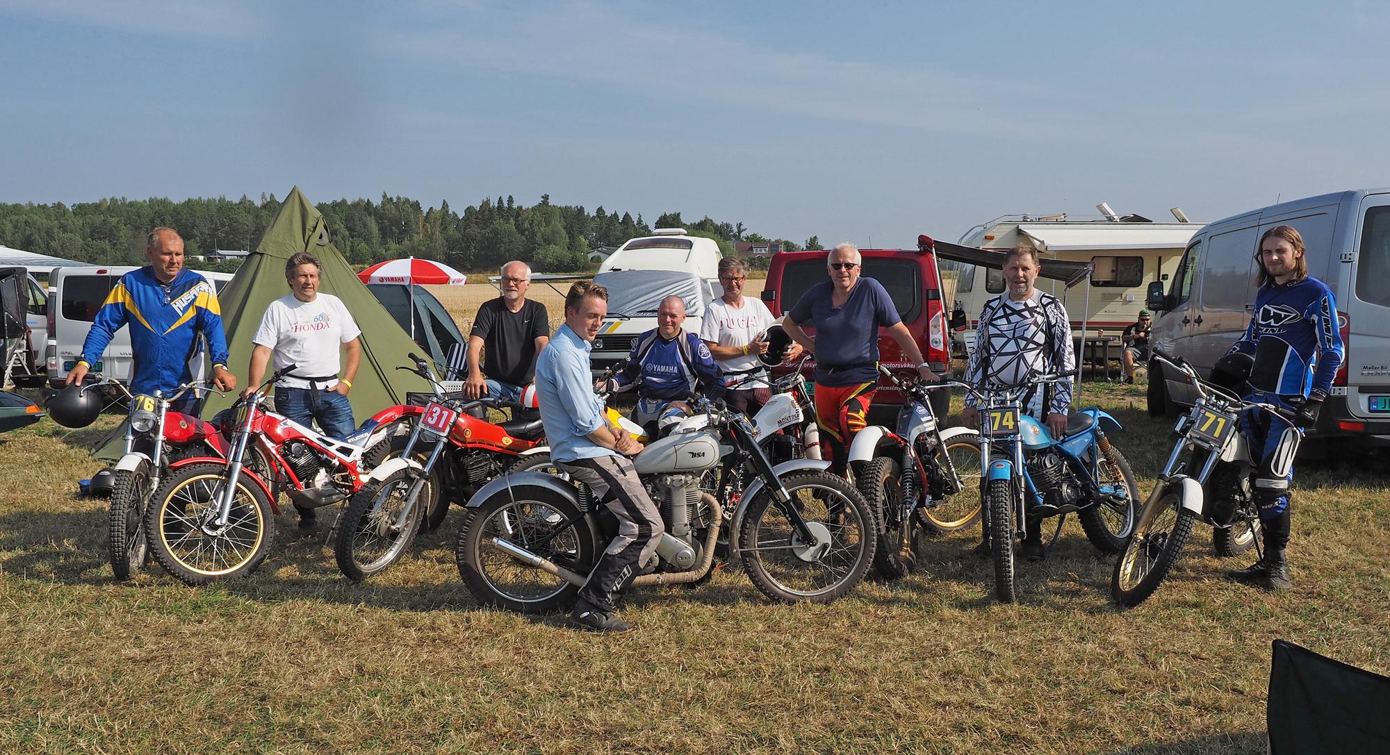 På bilde fra venstre: Rolf Berven, Per Erik Syverstad, Jarle Stensby, Eskil Broen, Helge Ruden, Tore Aarvold, Petter Kristoffersen, Arne Petter Morstad og Jesper Laursen.  foto:  Maarten Mager
