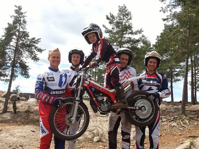 Landslaget 2014, her med maskot, består av Håkon Pedersen, Ivar Norum, Ole-Kristian Sørensen og Ib Vegard Andersen